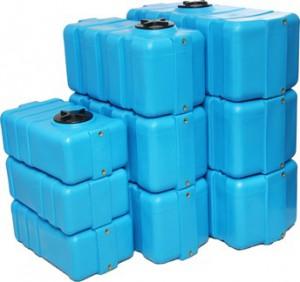 plastikovye-baki-dlya-vody